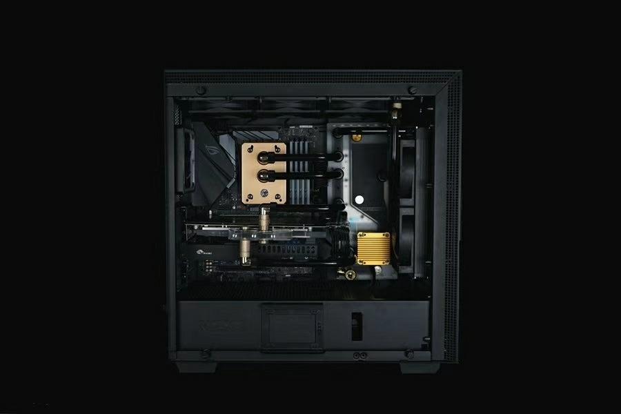 恩杰 NZXT H700 黑金配色水冷方案展示
