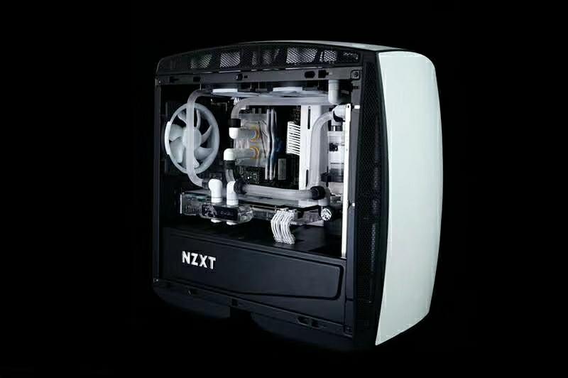 恩杰 NZXT MANTA MINI-ITX小机箱 白色水冷方案展示